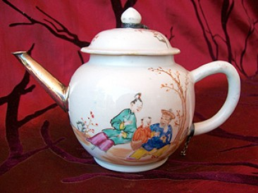 No 129 – Chinese Porcelain Famille Rose Teapot and Spout, Chien Lung Period (1735-1796)