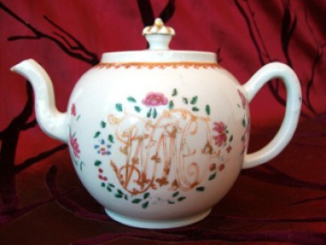 No 130 – Antique Chinese Famille Rose Porcelain Teapot, w/ Monogram, Chien Lung Period