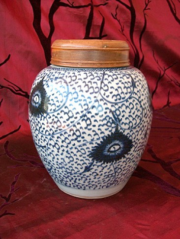 No 127 – Chinese Porcelain Ginger Jar With Wooden Lid, Late Qing Dynasty