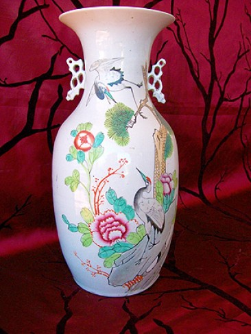 No 53 – Chinese Porcelain Vase With Cranes